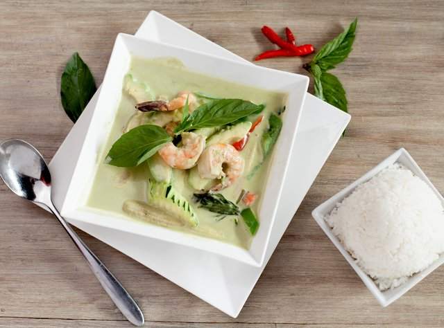 Prawn Avocado Curry by Chef Pik Kookarinrat